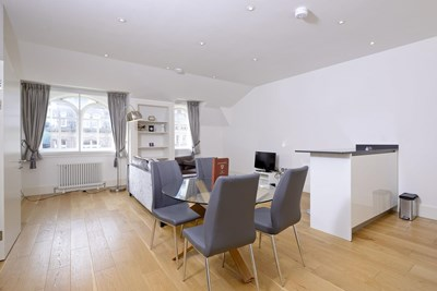 Superior Two Bedroom Apartment - St. Andrew's Square