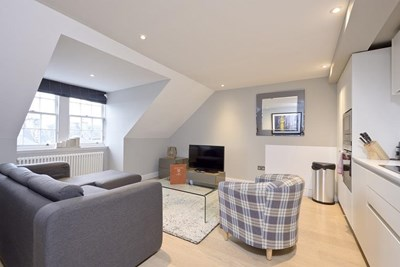 Classic Two Bedroom Apartment - Hill Street